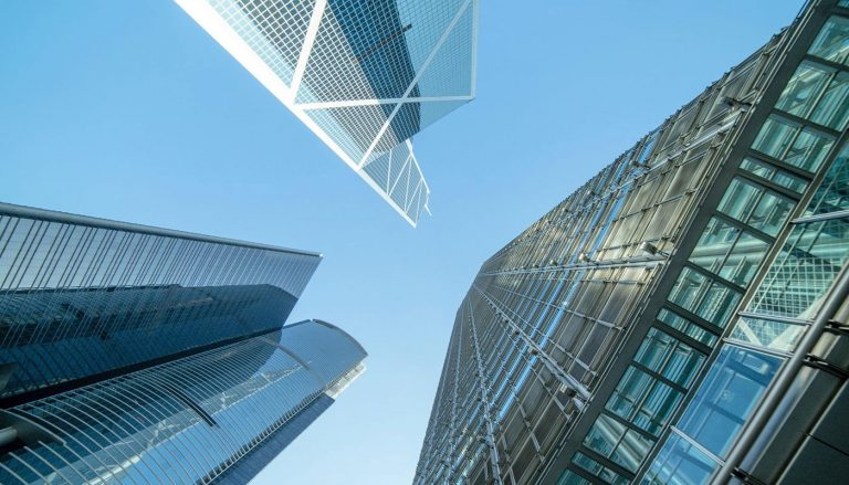 Top 7 Reasons To Invest in Commercial Real Estate - Thumbnail